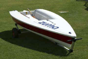 Seitech launching Dolly with a Zuma Sailboat