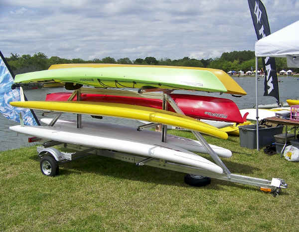 SUT-450-M6 Carries A Variety of Kayaks and Paddle Boards