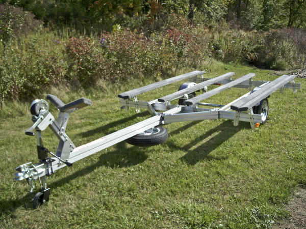 Trailex UT-850-M trailer with optional Center Bunks